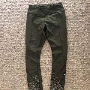 Lululemon army green reflective yoga pants